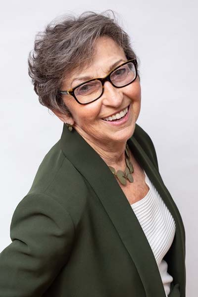 Elizabeth McGrath - Professional Woman Speaker